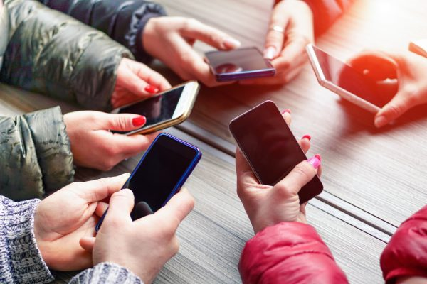 How Your Teens Phone Is Ruining Her >> How Smartphones Are Destroying Today S Teens The Village